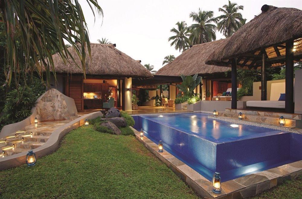 https://i.travelapi.com/hotels/1000000/530000/525500/525486/b775d20d_z.jpg