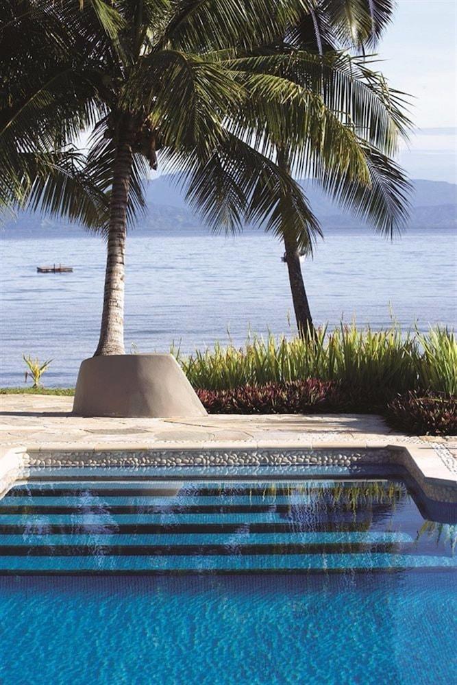 https://i.travelapi.com/hotels/1000000/530000/525500/525486/b898de62_z.jpg