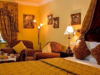 https://i.travelapi.com/hotels/1000000/530000/525600/525519/57a128e7_b.jpg