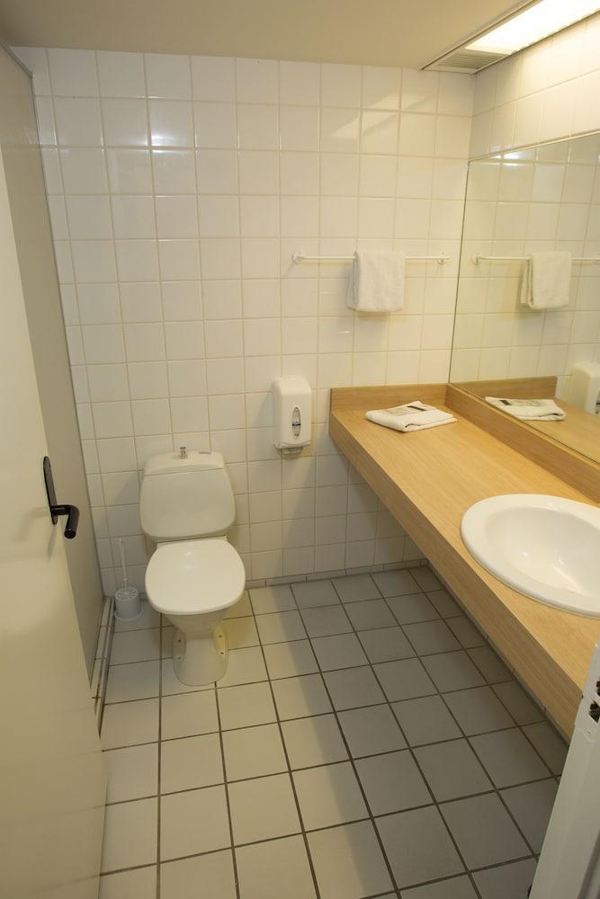 콤웰 쇤더보르그(Comwell Sønderborg) Hotel Image 12 - Bathroom