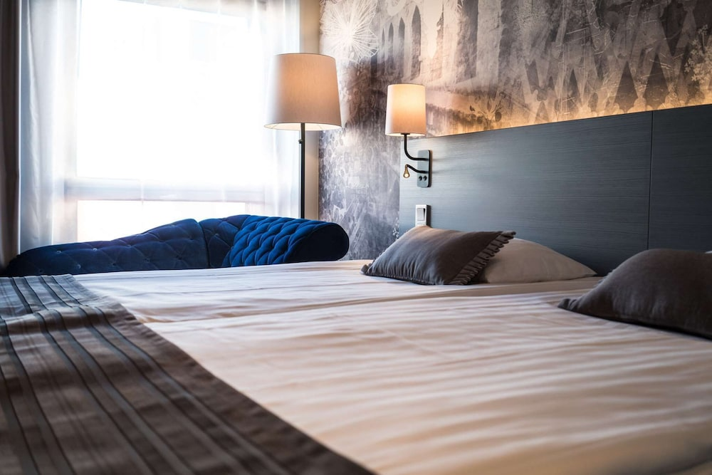 Superior Room, 1 King Bed (with Sauna)