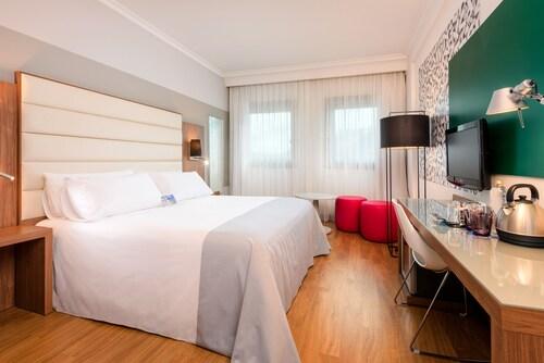 . Tryp Santiago Hotel