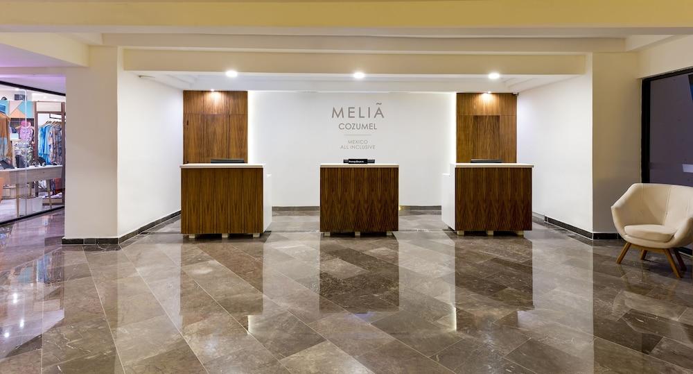 https://i.travelapi.com/hotels/1000000/530000/525800/525790/351e583d_z.jpg