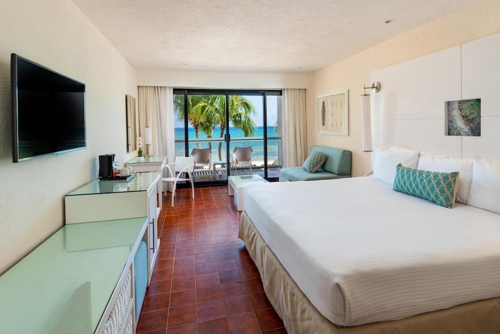 https://i.travelapi.com/hotels/1000000/530000/525800/525790/8989d574_z.jpg