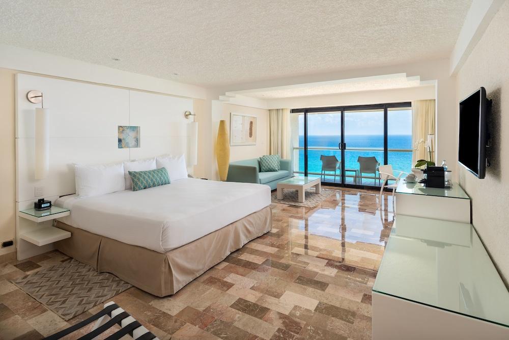 https://i.travelapi.com/hotels/1000000/530000/525800/525790/e84d6cf4_z.jpg