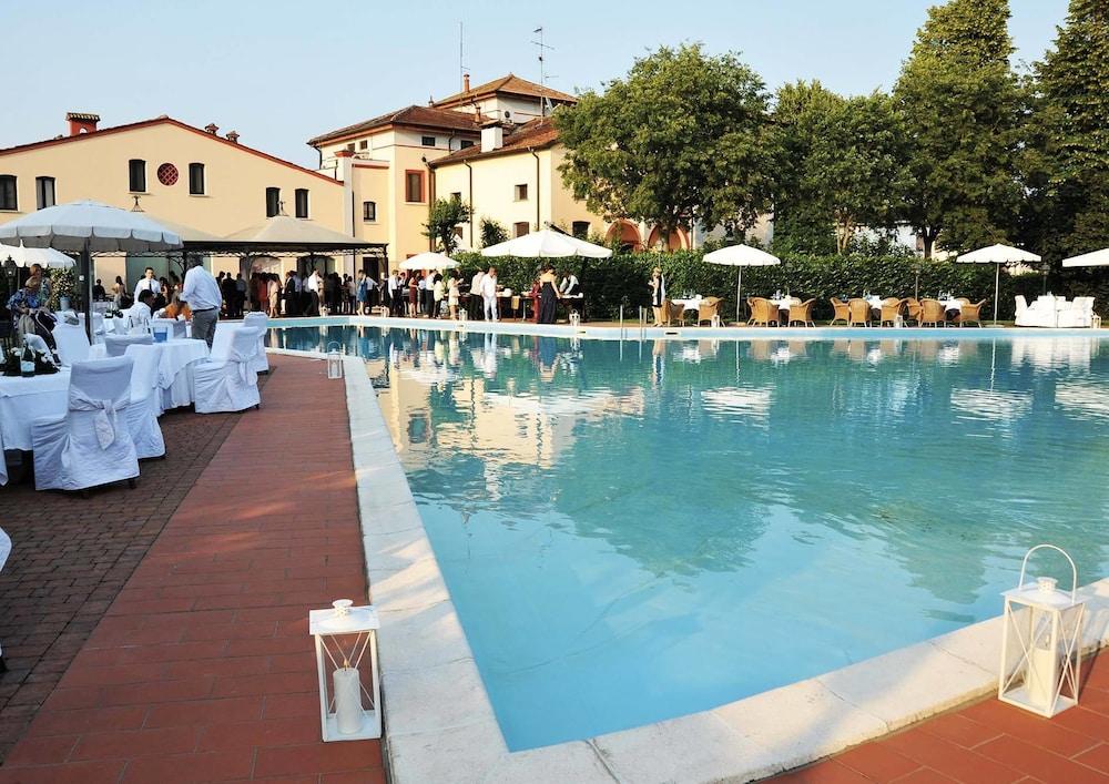 Hotel Villa Dei Tigli 920 Liberty Resort Rodigo Qantas
