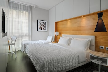 Superior Room, 3 Twin Beds (SW-M)