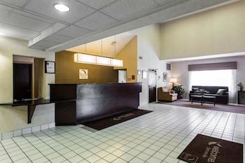 Lobby at Sleep Inn Summerville-Charleston in Summerville