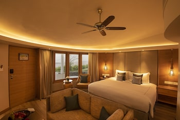 Premium Cottage, 1 King Bed, Garden View