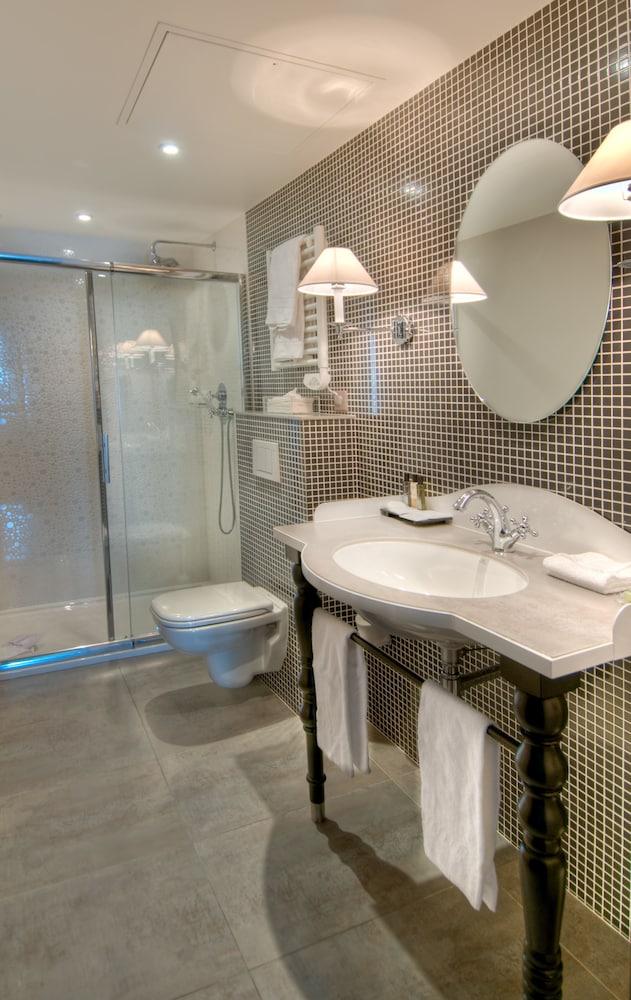 레 퐁텐느 두 뤽상부르(Les Fontaines du Luxembourg) Hotel Image 15 - Bathroom