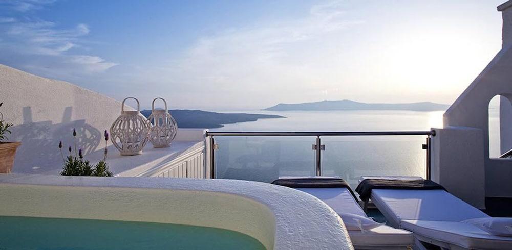 아스테라스 빌라(Asteras Villas) Hotel Image 29 - Outdoor Spa Tub