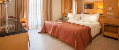 __{offers.Best_flights}__ Hotel Silken Rona Dalba