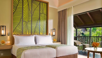 Deluxe Twin Room With Pool View - Thai Village Wing
