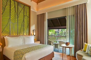 Deluxe King Room With Pool View -thai Village Wing