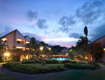 Holiday Villa Beach Resorts and Spa
