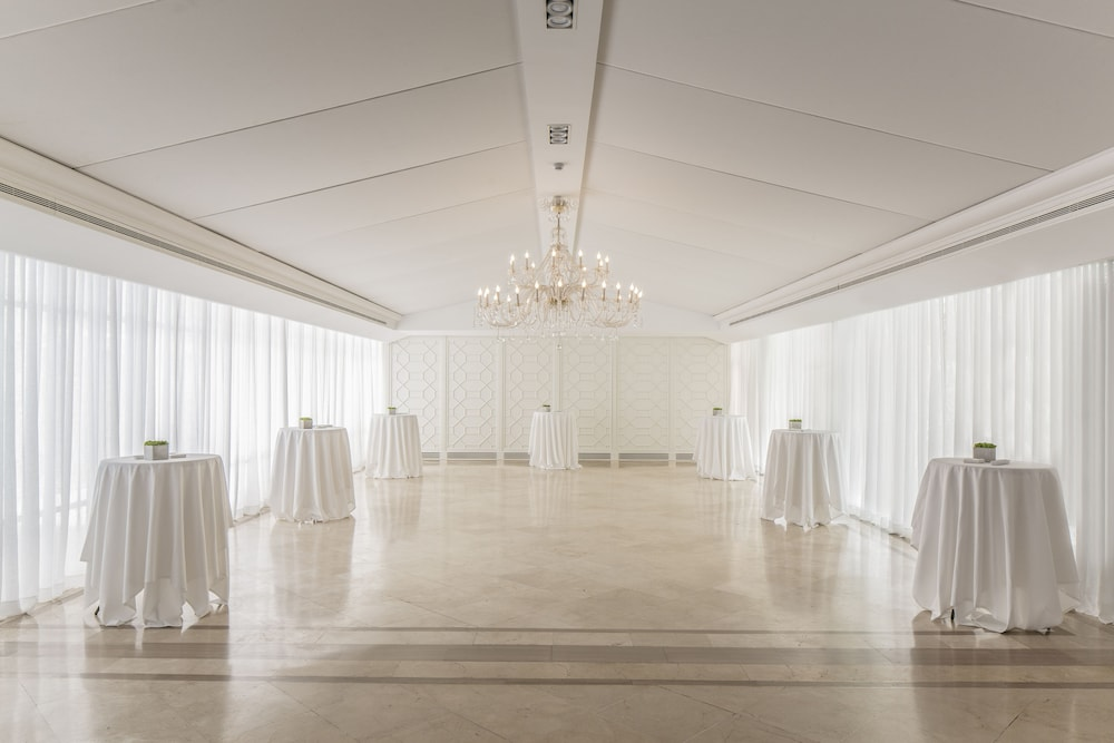 ヴィラ レアル ホテル