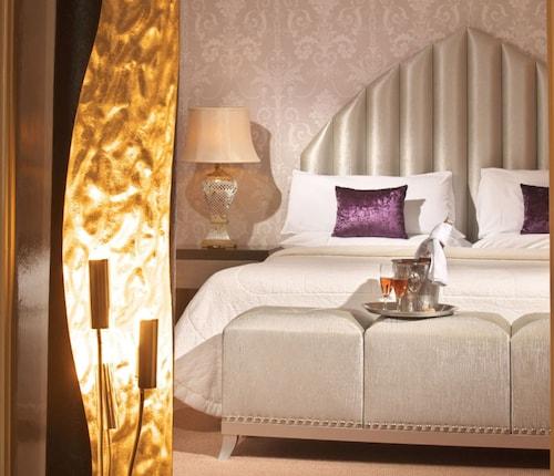 Castle Hotel Macroom,