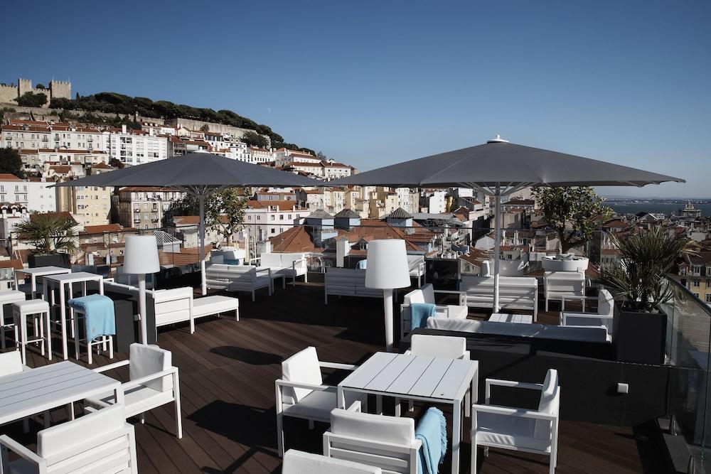 Hotel Mundial, Featured Image