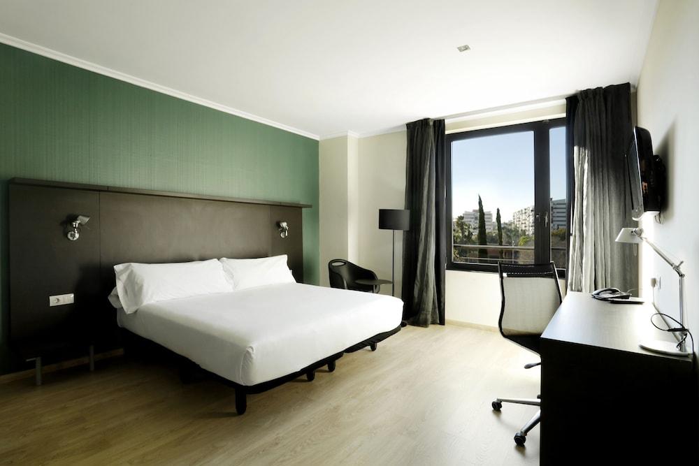 Hotel Alimara, Featured Image