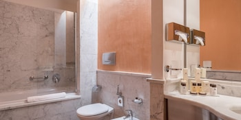 Hotel Tocq - Bathroom  - #0