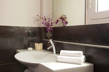 Caprice Hotel - Bathroom  - #0