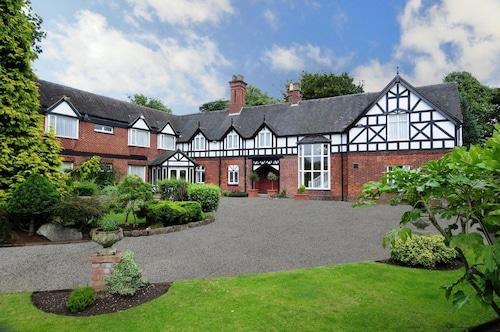 . Chimney House Hotel