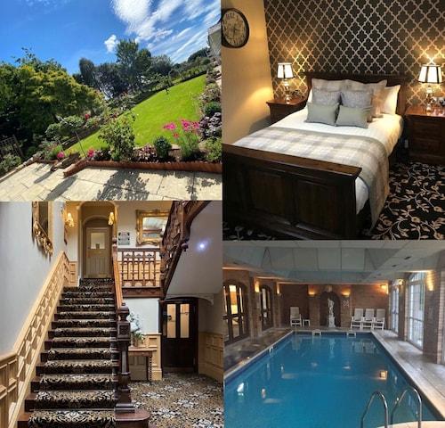 . Stone House Hotel