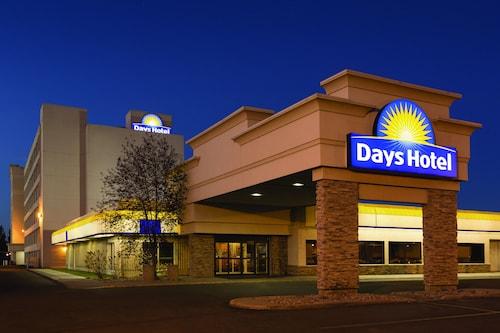 . Days Hotel & Suites by Wyndham Lloydminster