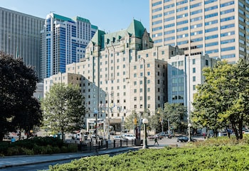Hotel - Lord Elgin Hotel