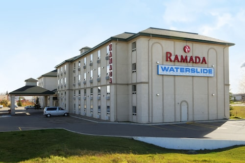 Ramada by Wyndham Red Deer Hotel and Suites, Division No. 8