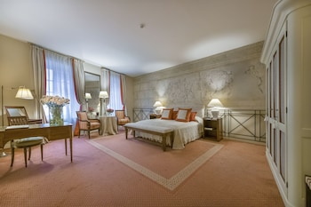 Suite (with SPA access)
