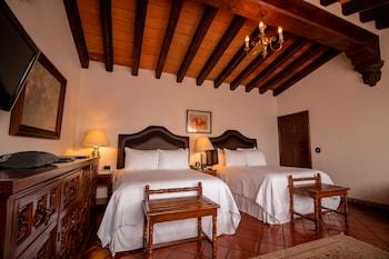 Standard Suite, 2 Double Beds