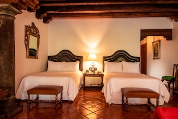 Suite, 2 Double Beds, Garden Area