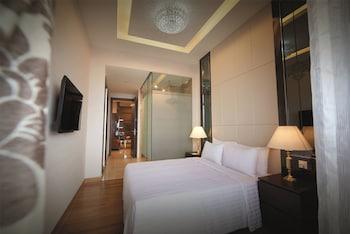 Two Bedroom Premier Queen + Twin @ Residences