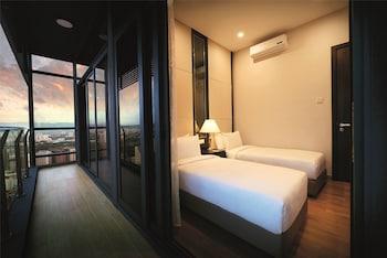 Two Bedroom Suite Queen + Queen @ Residences