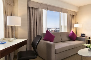Premium Room, 1 King Bed (Coast Premium King with View)