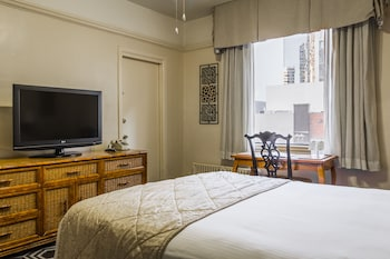 Standard Room, 1 Queen Bed, City View