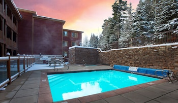 Hotel - Black Bear Lodge
