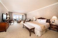 Premier Suite Ocean Room - Room service Breakfast