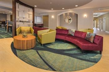 Lobby Lounge at Springhill Suites Gaithersburg in Gaithersburg