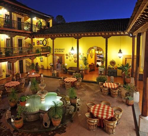 . Hotel La Parroquia