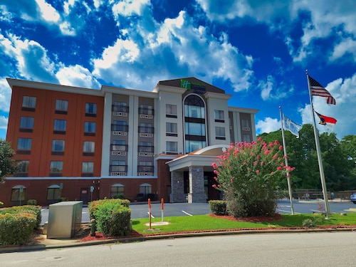 . Holiday Inn Express Hotel & Suites Wilson-Downtown, an IHG Hotel