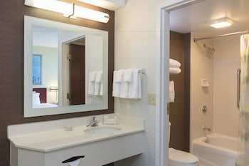 Peoria Vacations - SpringHill Suites Peoria Westlake - Property Image 1