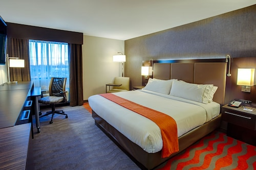 Holiday Inn Express & Suites Baltimore West - Catonsville, Baltimore