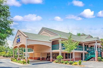 Hotel - Days Inn & Suites by Wyndham Peachtree City