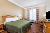 Room, 1 King Bed, Accessible, Non Smoking at Travelodge by Wyndham Savannah Gateway in Savannah