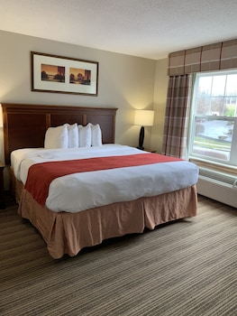 Suite, 1 King Bed, Jetted Tub (NonSmoking)