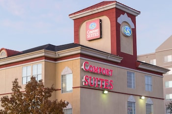 Exterior at Comfort Suites North Fossil Creek in Fort Worth
