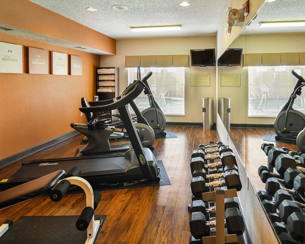 Health and Fitness : Fitness Facility 15 of 80