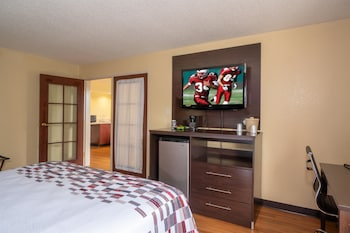 Hotel - Red Roof Inn & Suites Indianapolis Airport